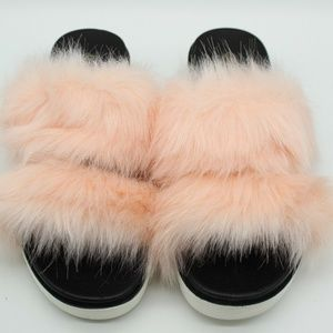 Qupid Pink Fuzzy Faux Fur Sandals Size 8
